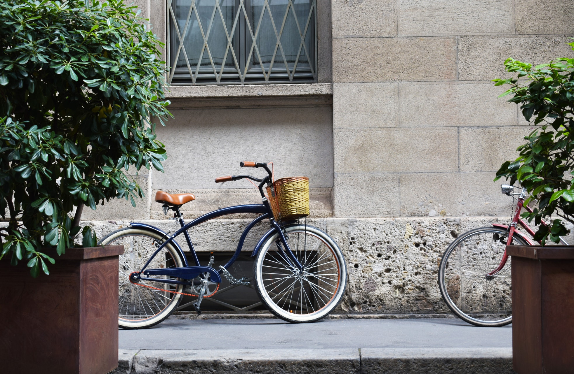 A bike in an urban environment. The Morning Walk Paris guided tours